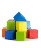 Набор детскийдеревянных кубиков окрашенных 24 штуки
