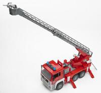 Пожарная машина MAN (световые и звуковые эффекты) + красная каска