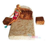 Мягкая мебель для кукол: кровать, 2 подушки, 2 пуфика, кукла