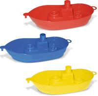 Пластмассовый кораблик